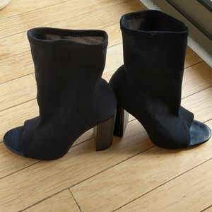 Fittwd ankle bootie with open toe